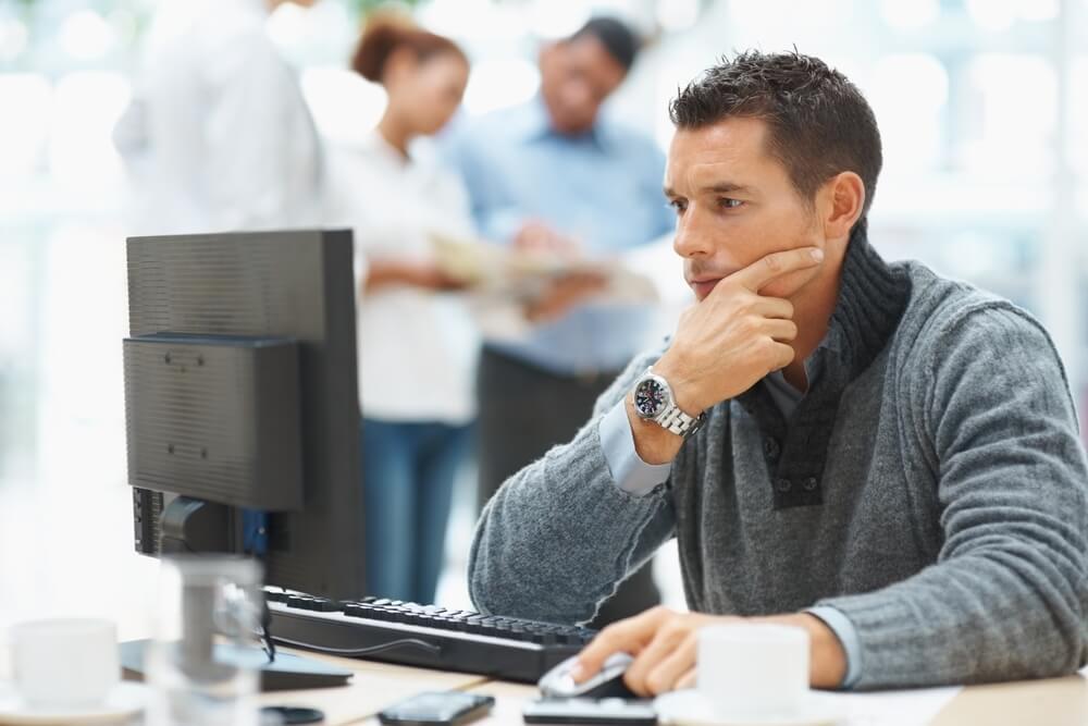 Nie musisz tracić czasu na zbieranie informacji, studiowanie porównań i opinii.